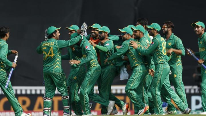 pakistan-celebrate-winning-the-icc-champions-trophy_76b0562c-5441-11e7-869c-505e32be9126