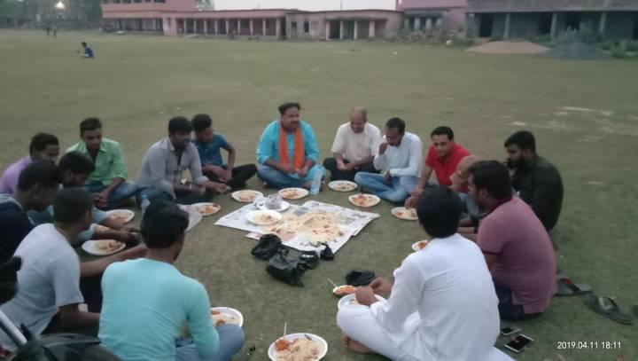 कोटालपोखर के युवाओं ने की बैठक (2)