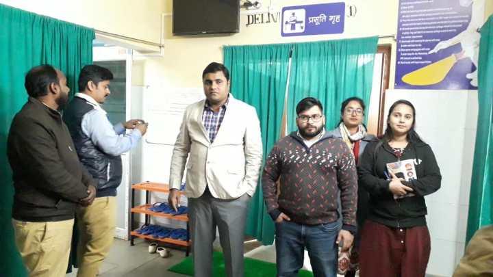 पीरामल फ़ाउन्डेशन ने महेशपुर अस्पताल का किया निरीक्षण, दिये कई निर्देश (1)