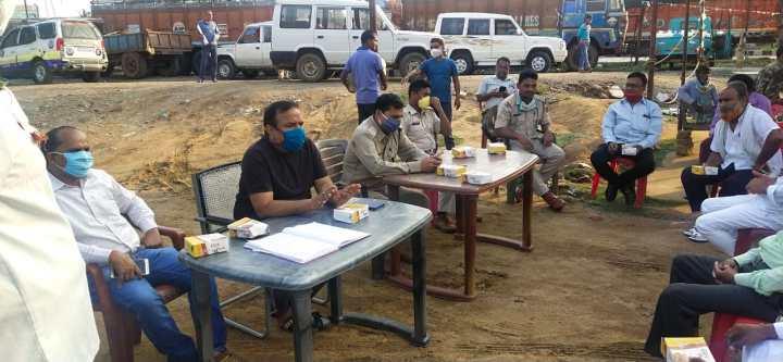 ईद पर्व को लेकर हंसडीहा थाना में शांति समिति की बैठक